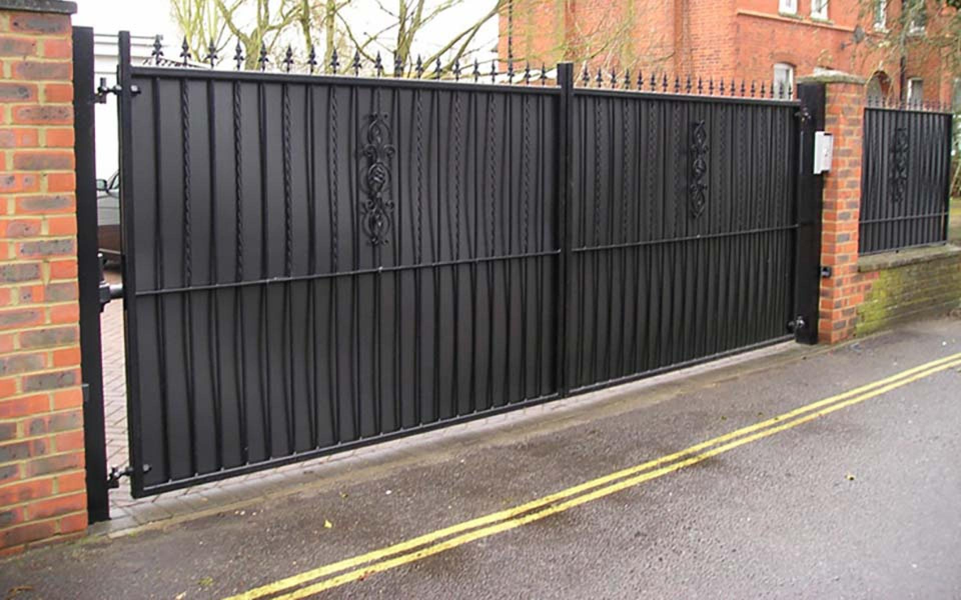 Kingston wrought iron gate with boarding