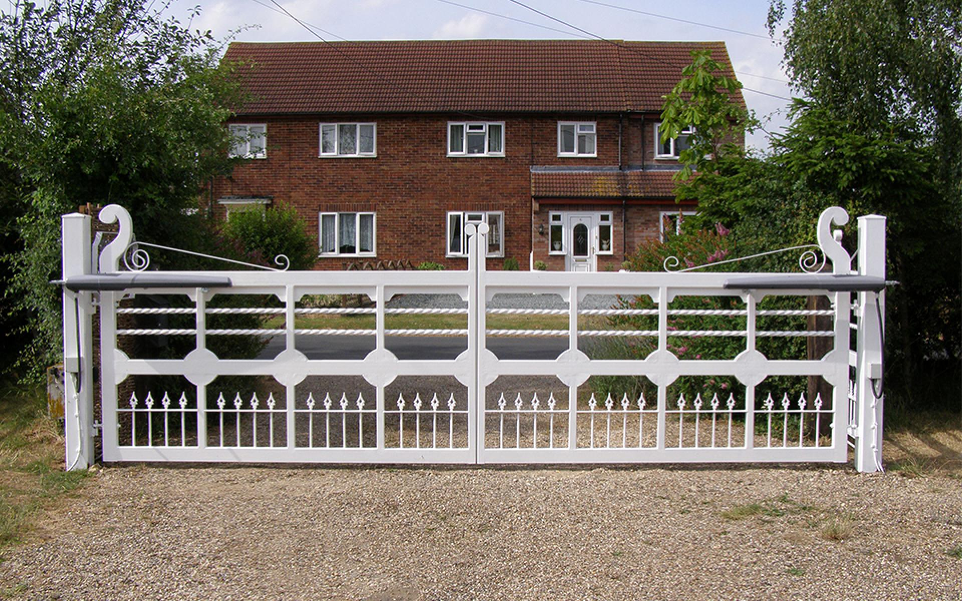 Painted metal gate with CAME Axo worm driven automation (Courtesy of Mr Gates)