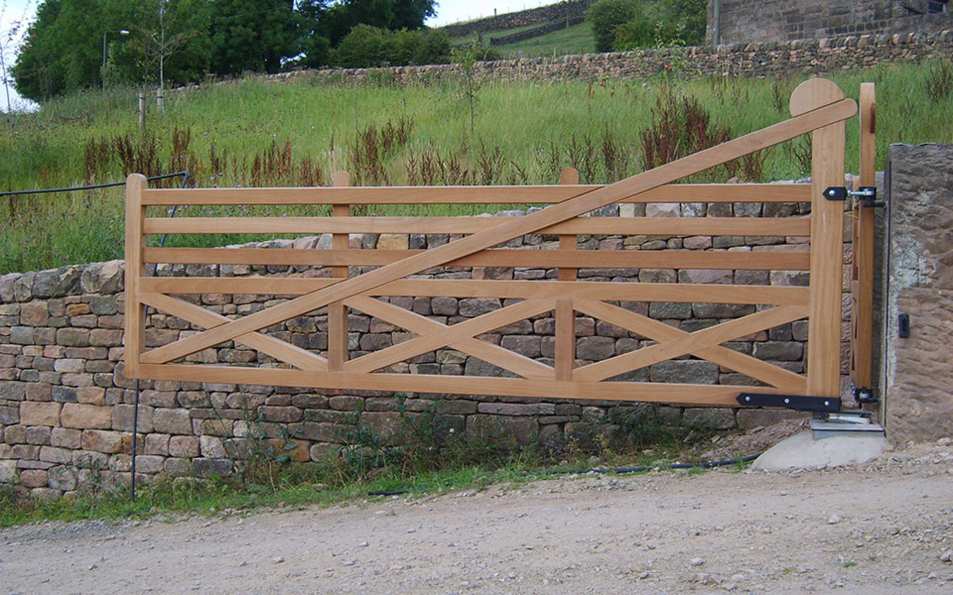 Crich wooden gate with underground automation (Courtesy of Automation Gates)