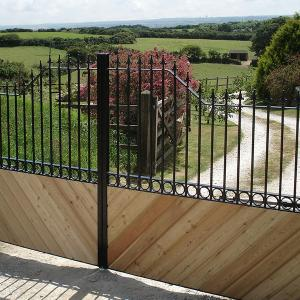 Metal & wooden gate (Courtesy of South West Automation Systems)